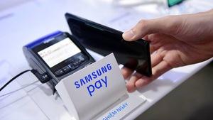 Thói quen tiền mặt vẫn 'đánh bật' văn hóa 'cà thẻ trả tiền'