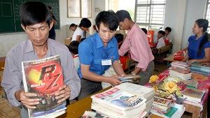 Trẻ miền quê khát sách: Thiếu sách, nghèo cả tương lai