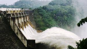 Thủy điện xả nước, lũ các sông miền Trung lên nhanh
