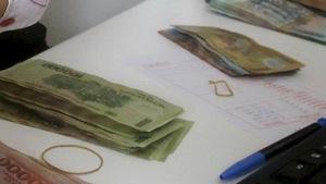 Quảng Bình buộc trường lạm thu trả lại tiền cho phụ huynh