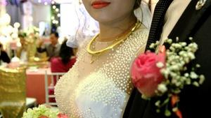 Đám cưới giả, chú rể giả hay định kiến nghiệt ngã của người Việt?