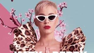 Katy Perry tiếp tục chọn trang phục của Nguyễn Công Trí