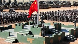 Quân đội Trung Quốc phô diễn sức mạnh để… xin thêm tiền