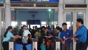 Ngày cao điểm đầu tiên, Ga Sài Gòn đưa 13.500 hành khách về quê
