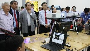 Phòng thí nghiệm thiết kế, phát triển sản phẩm cho sinh viên