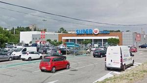 Bắn chết tay súng giết 3 người, giữ nhiều con tin trong siêu thị