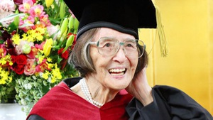Nghiên cứu 30 năm, bà cụ Nhật nhận bằng tiến sĩ ở tuổi 88