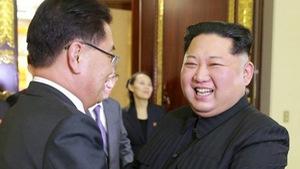 Kim Jong Un vồ vập Hàn Quốc để phá vòng vây của Mỹ?