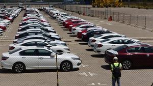Lô xe hơi đầu tiên thuế 0%, giá giảm gần 200 triệu/xe
