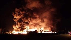 Cháy lớn khu tập kết, xử lý rác thải tại Hải Dương
