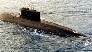Tàu ngầm Nga, Anh vờn nhau trước vụ tấn công Syria