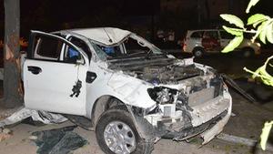 Xe bán tải húc hàng loạt xe máy trên đường Nguyễn Hữu Cảnh, 2 người chết
