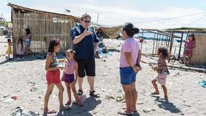 Tranh cãi về tour du lịch xem dân nghèo sống ra sao