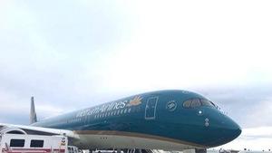 Máy bay Vietnam Airlines hạ cánh khẩn ở Romania cấp cứu khách