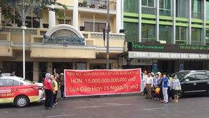 Bị lừa 15.000 tỉ đồng: hoa mắt với bẫy lãi suất khủng của Ifan