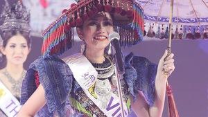 Diệu Linh khoe trang phục truyền thống trước đêm chung kết