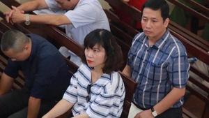 Cựu giám đốc bệnh viện cử luật sư dự tòa 8 bệnh nhân chạy thận chết