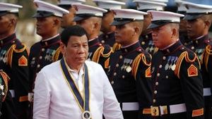 Philippines dọa chiến tranh nếu Bắc Kinh vượt 'lằn ranh đỏ'