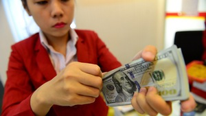 Giá USD ngân hàng giảm sâu