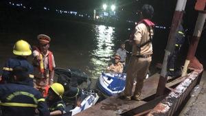 Ca nô tuần tra va chạm sà lan, 1 người chết, đại úy công an mất tích