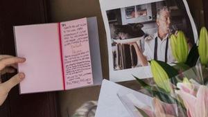 Đầu bếp Anthony Bourdain tự tử bằng dây lưng áo choàng tắm