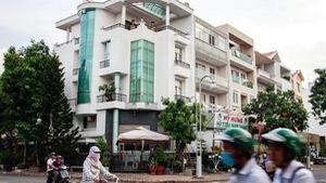 Cuộc sống người dân Phú Mỹ Hưng đảo lộn vì mùi hôi của rác