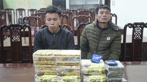 Vừa ra tù lại đưa con trai đi buôn ma túy xuyên quốc gia