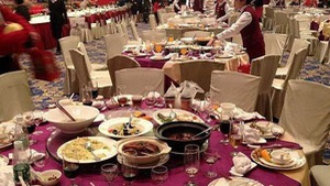 Vì sao người Việt lãng phí thức ăn?