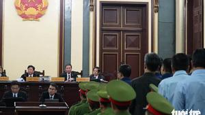 Ông Trần Bắc Hà gửi đơn xin vắng mặt tại tòa để đi chữa bệnh
