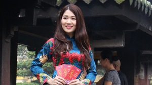 Nam thanh nữ tú Sài Gòn rực rỡ chụp ảnh áo dài đón Tết
