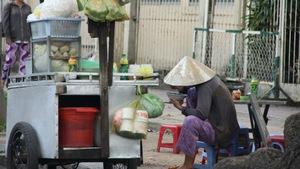 Hủ tiếu gõ đêm mưa Sài Gòn của tôi