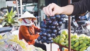 Tuổi Trẻ 15-9: Cẩn thận trái cây Trung Quốc đội lốt Mỹ