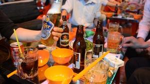 Bộ đòi dán tem bia, doanh nghiệp phản đối