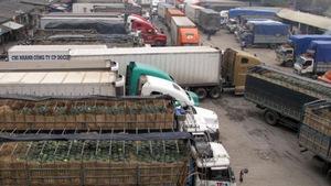 Hàng hóa tại cửa khẩu Lạng Sơn tiếp tục ùn tắc