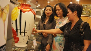 Gốm sứ Minh Long vào hệ thống Saigontourist