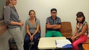 Hai người Việt bị cảnh sát Thụy Sĩ bắt vì lấy cắp mắt kính