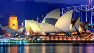 """Du khách nước ngoài chịu khó """"móc hầu bao"""" khi đến Australia"""