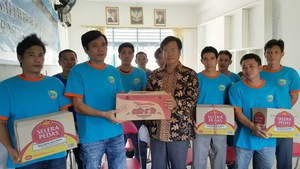 Đại sứ Việt Nam tại Indonesia thăm ngư dân bị bắt
