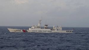Tàu vũ trang Trung Quốc tiến sátđảo Senkaku/Điếu Ngư