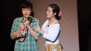 Hồng Ánh làm đạo diễn kịch cho sân khấu mới của Việt Linh