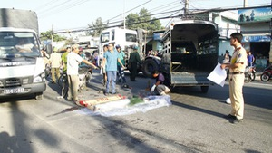 Một nữ sinh chết thảm trên đường đi học
