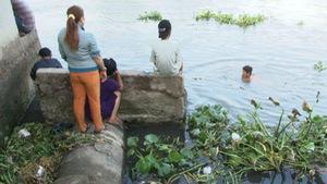 Tắm sông, 2 học sinh mất tích