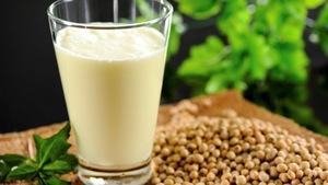 Nhóm người bệnh nên tránh sử dụng sữa đậu nành