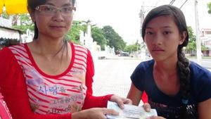 Bạn đọc Nhịp cầu nhân ái giúp cô bé lo cho người mẹ mù