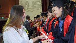 842 Học viên của hệ thống VUS nhận chứng chỉ Quốc tế