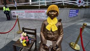 """Nhật Bản trả Hàn Quốc 9,8 triệu USD cho """"phụ nữ mua vui"""""""