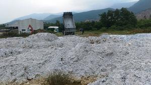 Đổ chất thải rắn, công ty Đông Anh bị phạt 4,5 triệu đồng