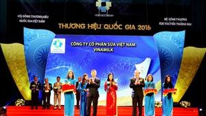 Vinamilk được vinh danh Thương hiệu Quốc gia lần thứ 8