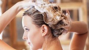 Cách chăm sóc tóc rụng, tóc xơ rối