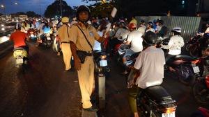 Diễn đàn Văn hóa giao thông: Vi phạm nhiều, xử phạt ít?